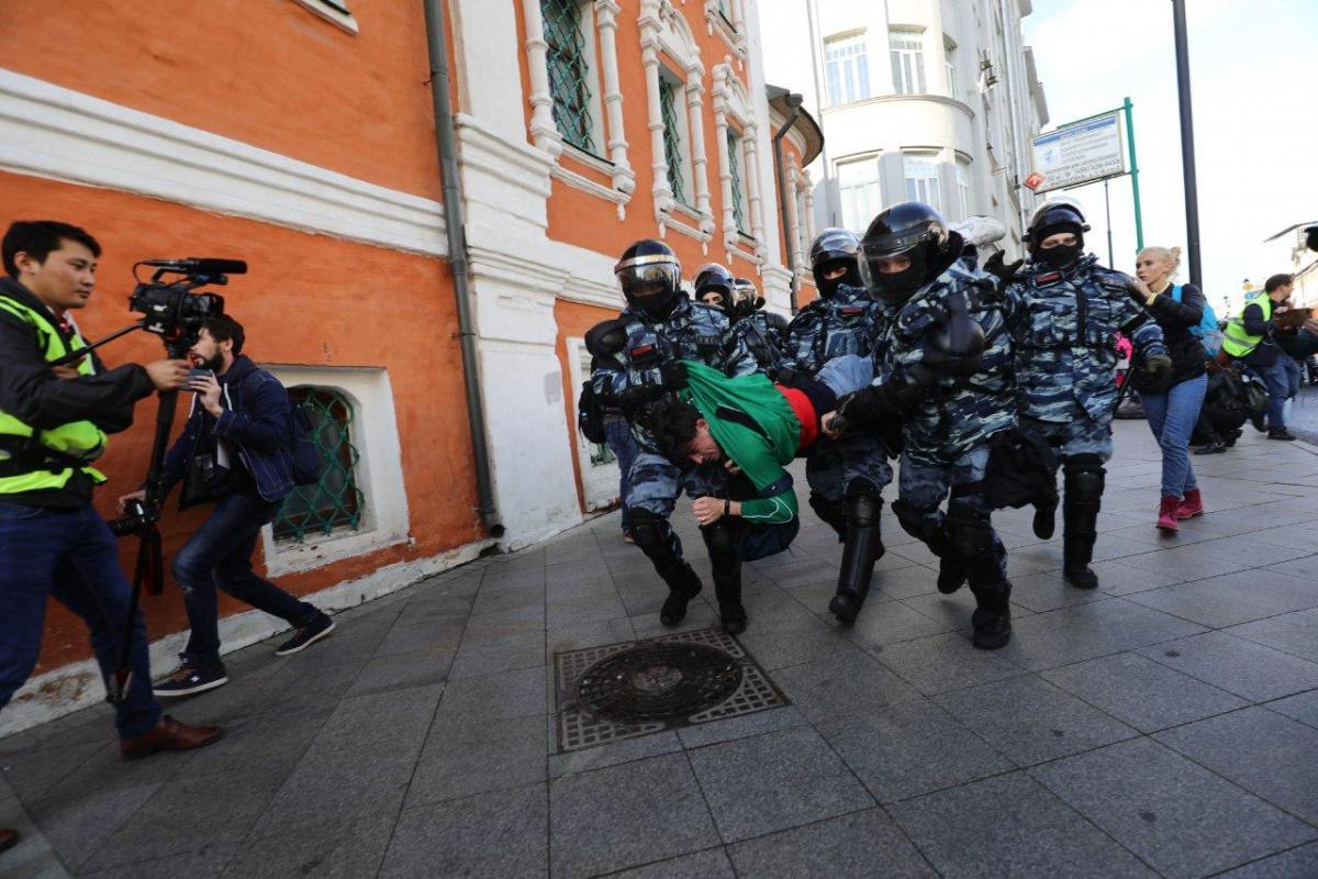 """У Росії - масові затримання / Фото: Девід Френкель, """"Медиазона"""""""