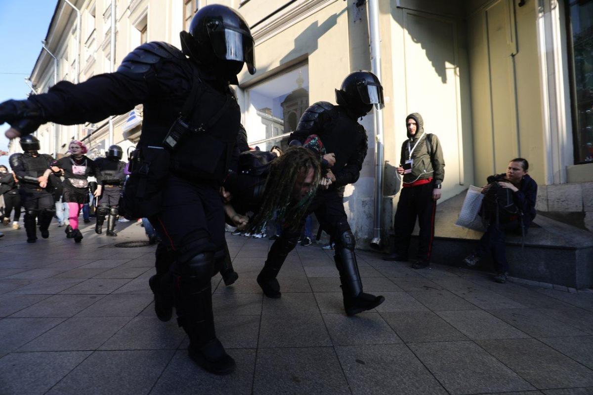 The incident happened during a protest in Moscow on August 10 / Photo from David Frenkel / Mediazona
