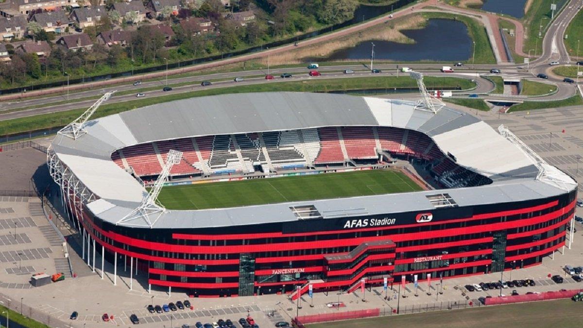 Арена не готова принимать матчи / twitter.com/AZAlkmaar