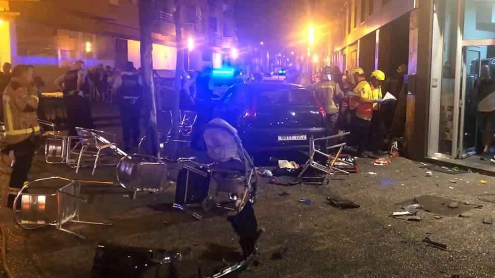 Посетители бара пострадали из-за наезда автомобиля / фото: elpais.com