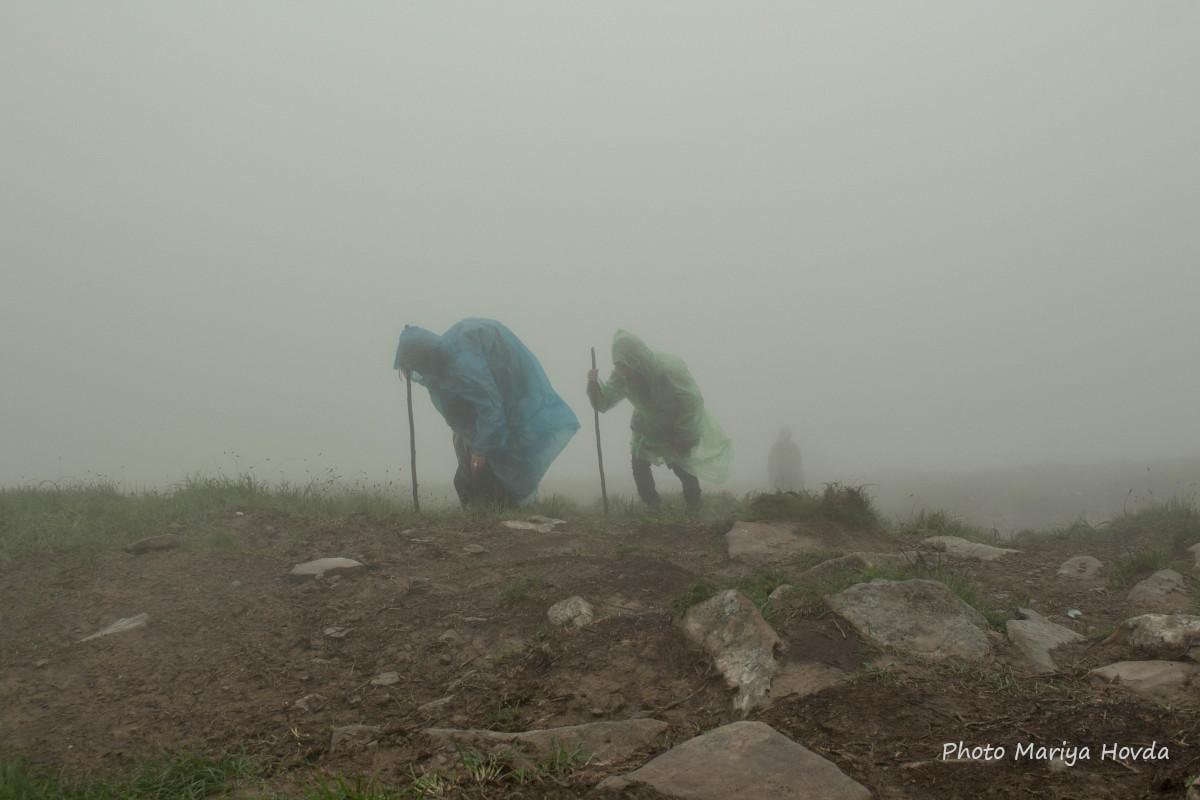 За поганої погоди сходження на Говерлу стає складнішим та небезпечнішим / фото Mariya Hovda