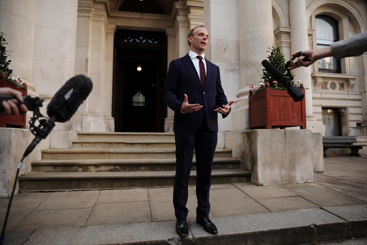 Глава МИД Великобритании Доминик Рааб выразил поддержку Чехии / фото REUTERS