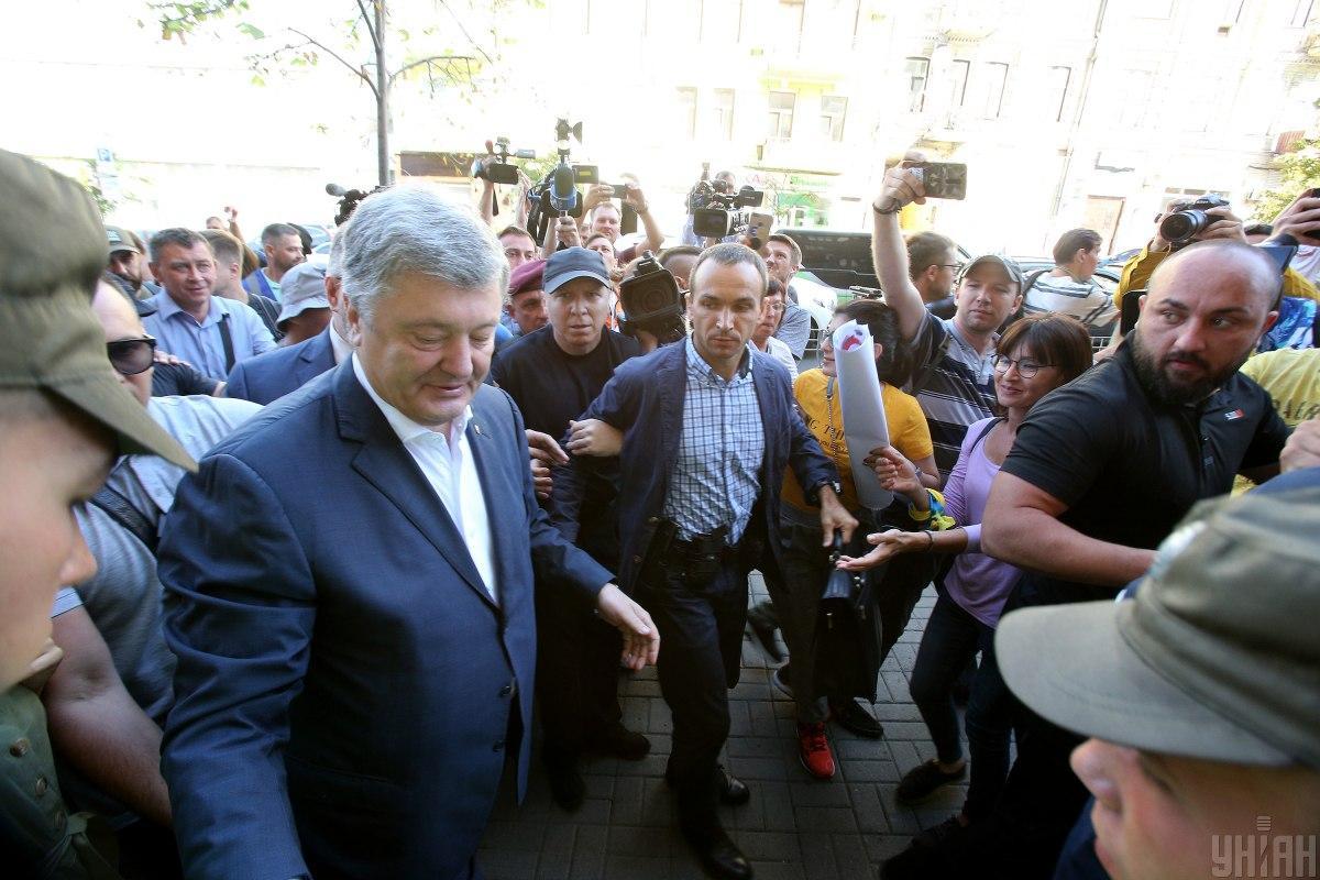 Сегодняшний допрос Порошенко длился два часа / фото УНИАН