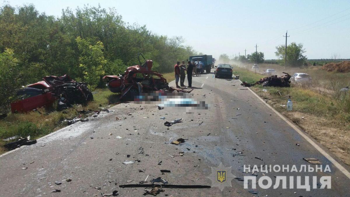 Авария произошла по вине водителя грузовика / фото: od.npu.gov.ua