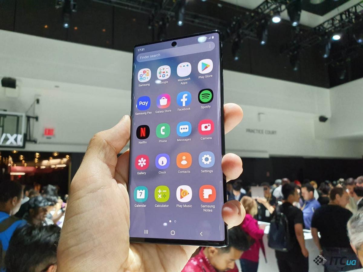 Экран Galaxy Note10+ демонстрирует самые высокие значения по 13 параметрам / фото ITC.ua