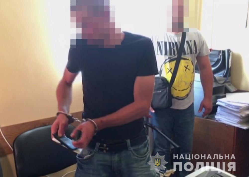 В квартиру колишньої дружини чоловік вліз через відкритий балкон / фото: прес-служба поліції