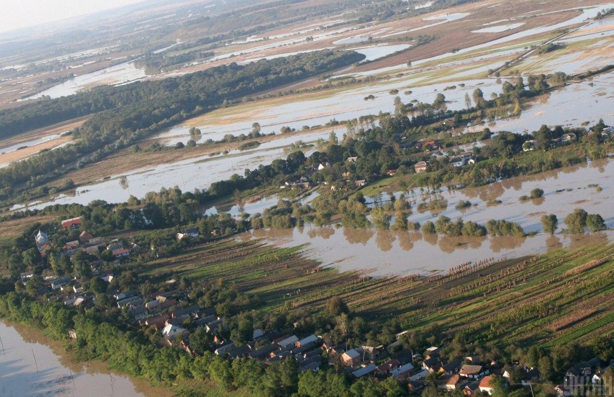 Наводнение во Львовской области / фото УНИАН