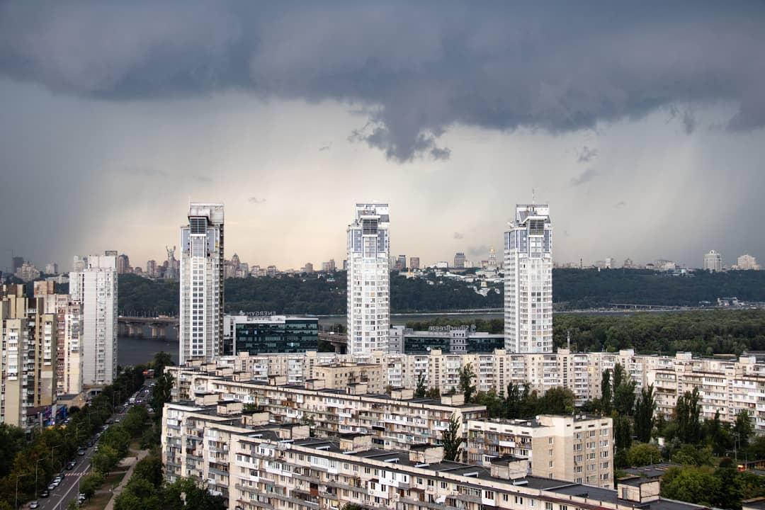 На Київ суне негода / instagram.com/apliambo