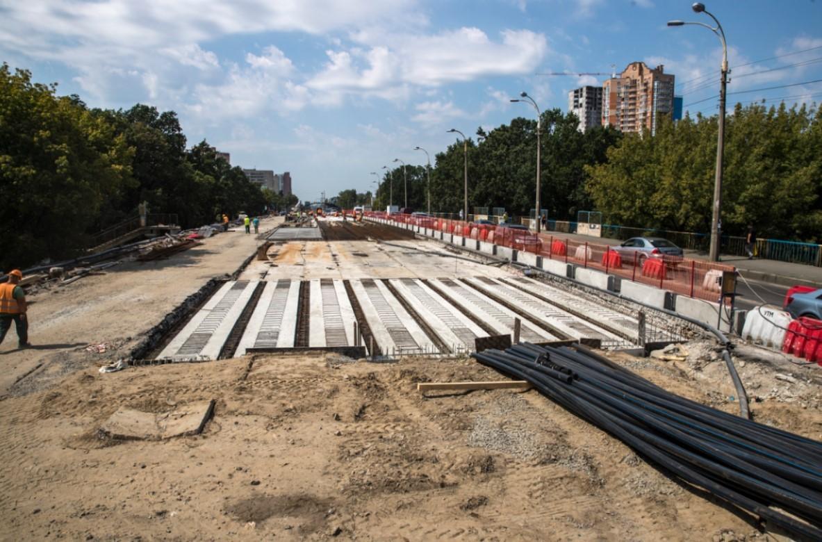 Уже установили новые балки, которые будут основой новой проезжей части моста