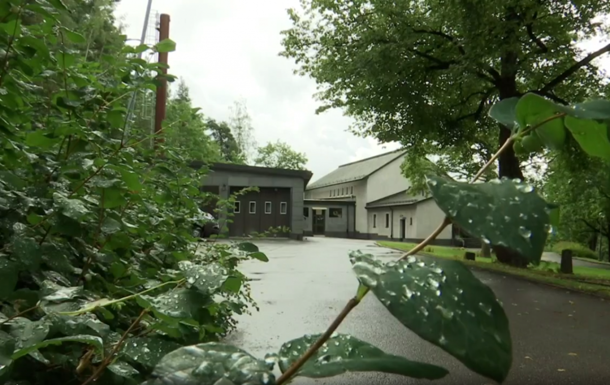Теплом от крематория будет обогреваться новый спортивный зал школы/ скриншот из видео