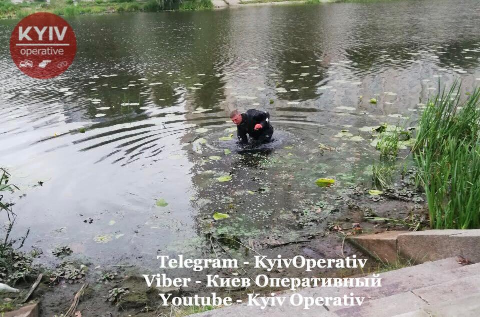 Тіло виявили в Русанівському каналі / facebook.com/KyivOperativ