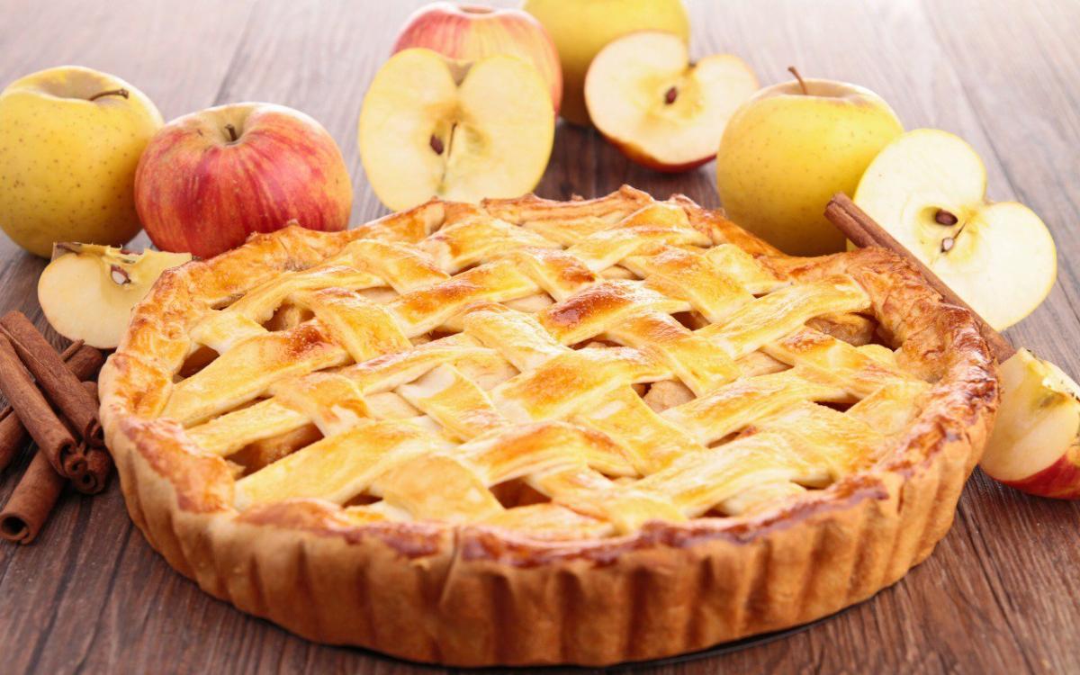 Яблочный пирог достаточно популярноена второй Спас блюдо / фото: facedobra.com