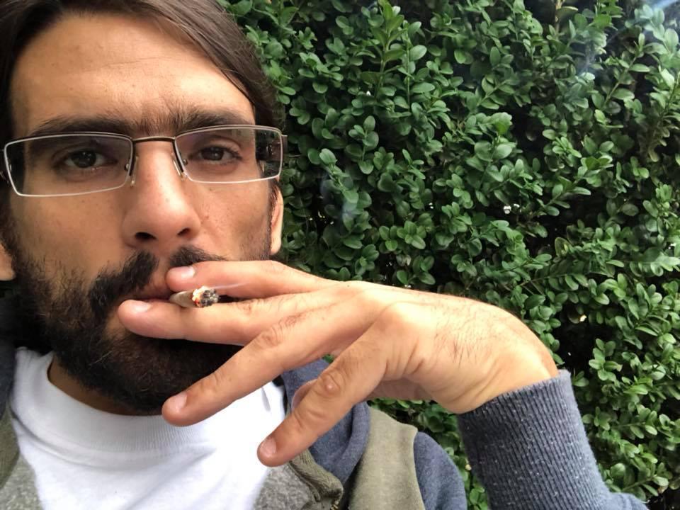 СБУ затримала наркоторговця / фото facebook.com/amos.silver