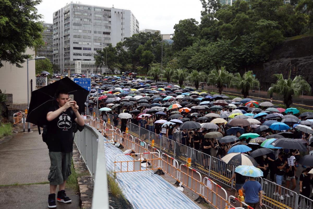 Гонконг / иллюстрация / REUTERS