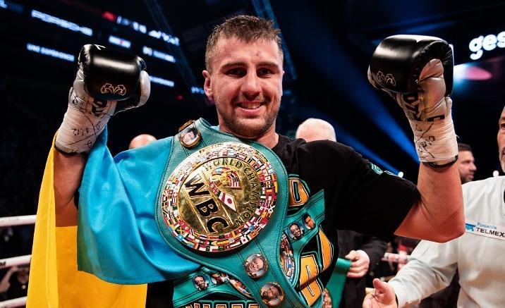 Александр Гвоздик владеет поясом WBC / фото: Boxingscene