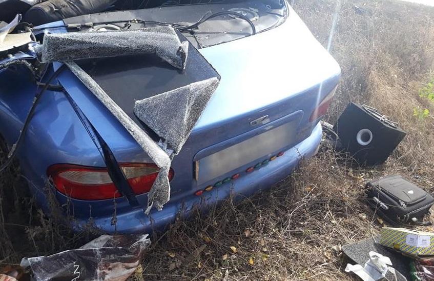 Водій та два пасажириDaewoo Lanos загинули / фото: поліція Черкаської області