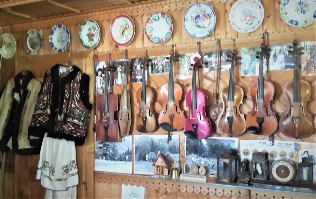 Кумлик играл аж на 35 музыкальных инструментах / фото: Марина Григоренко