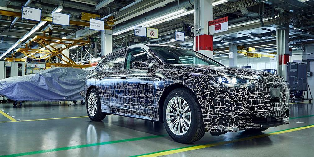 Производство прототипов BMW iNext показали на видео / фото BMW