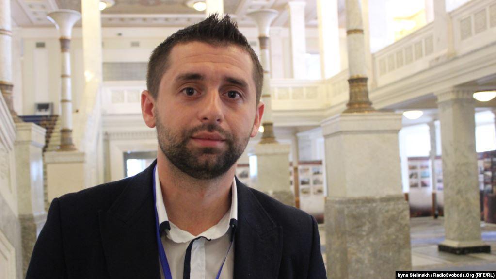"""Арахамія підкреслив, що новий уряд буде """"не політичним, а професійним"""" / фото Радіо Свобода"""
