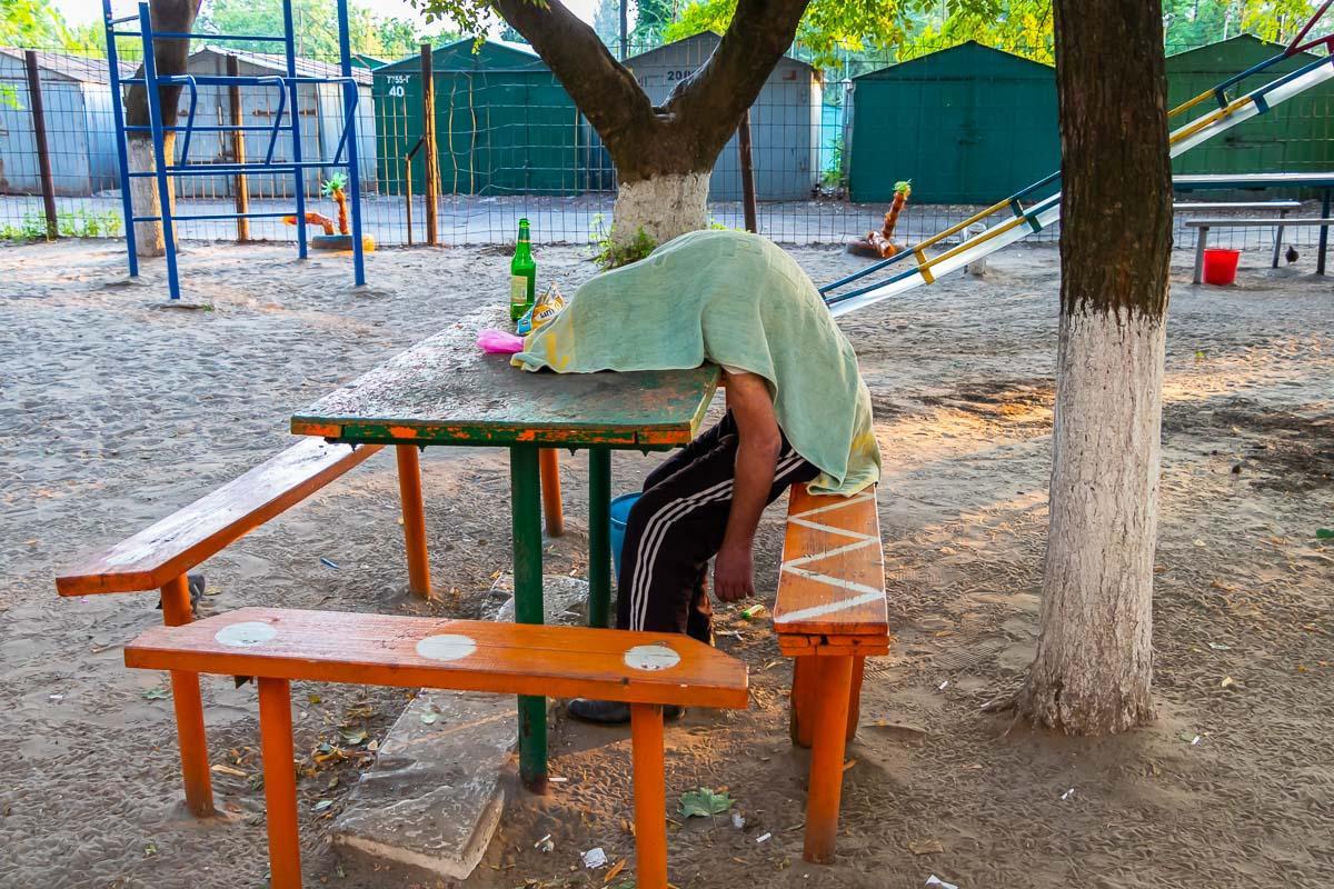 Дружина померлого заявила, що її чоловік пив ще з вечора / Фото: Информатор