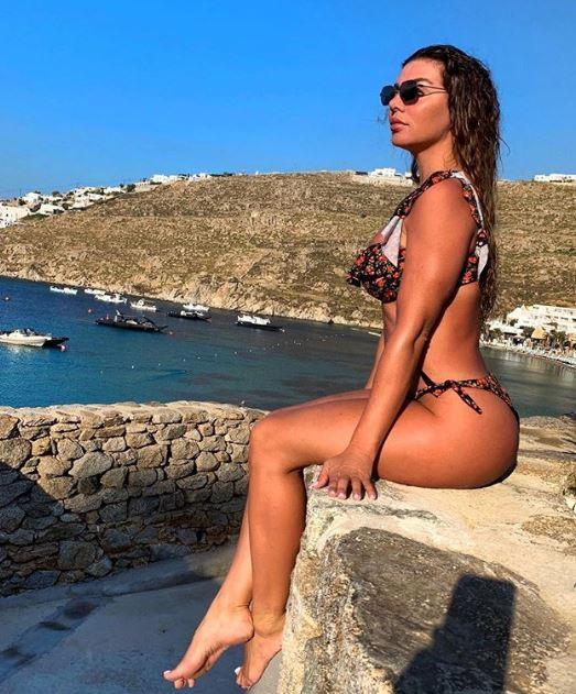 Исполнительница показала идеальные формы / instagram.com/annasedokova
