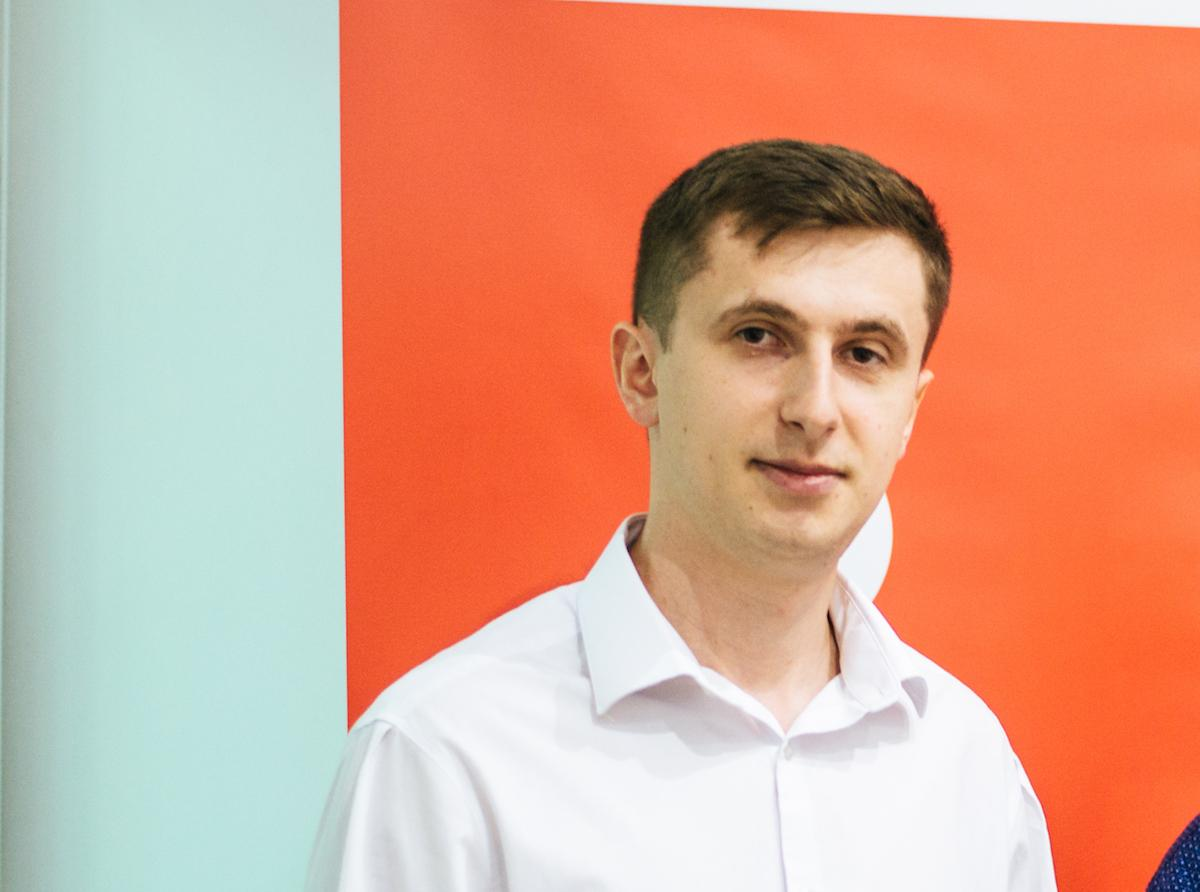 Роман Жовнір
