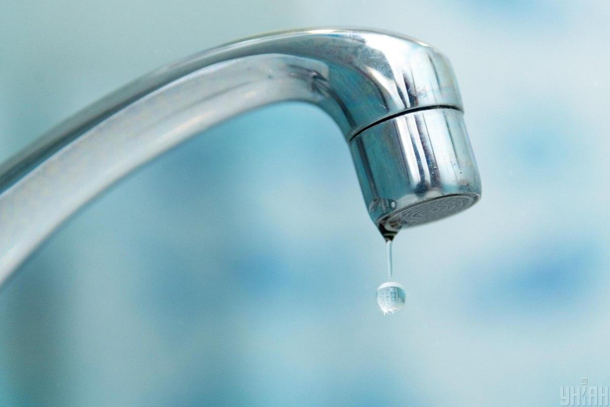 За рахунок водозабору з Дніпра покривається третина потреб у питній воді киян / фото УНІАН