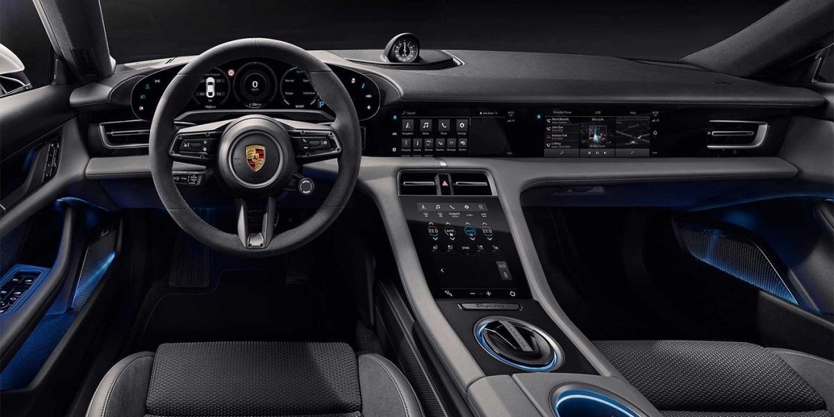 Премьера новинки состоится 4 сентября / фото Porsche