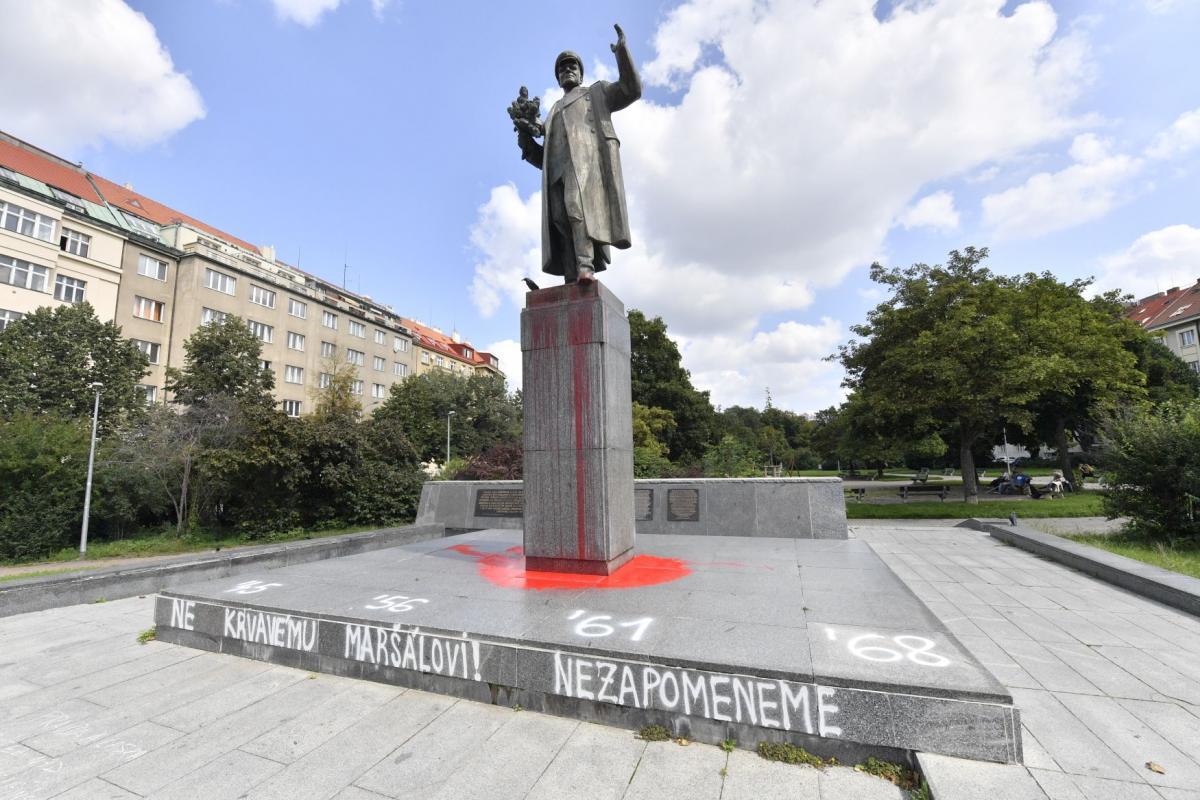 Пам'ятник Конєву неодноразово ставав жертвою вандалів / Фото: Віт Чиманек, ЧТК