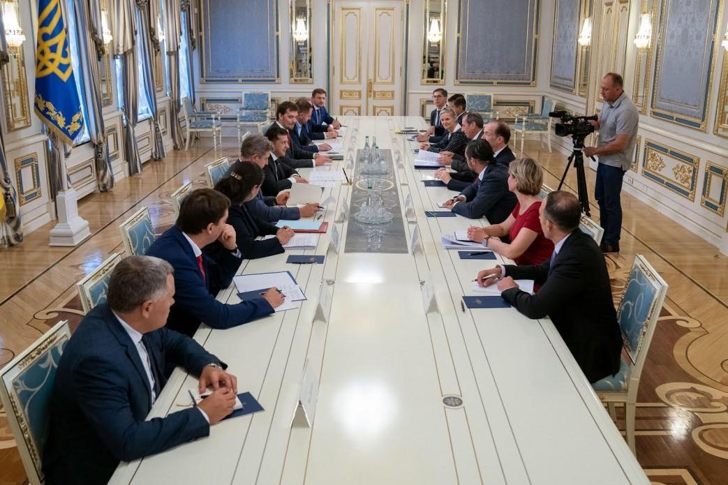 Зеленский провел встречу с делегацией Всемирного банка / фото president.gov.ua