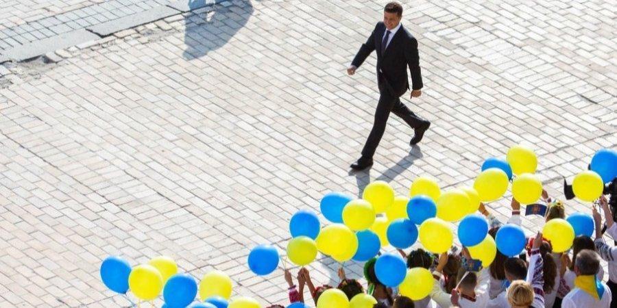 Владимир Зеленский во время мероприятий ко Дню Государственного флага / пресс-служба президента