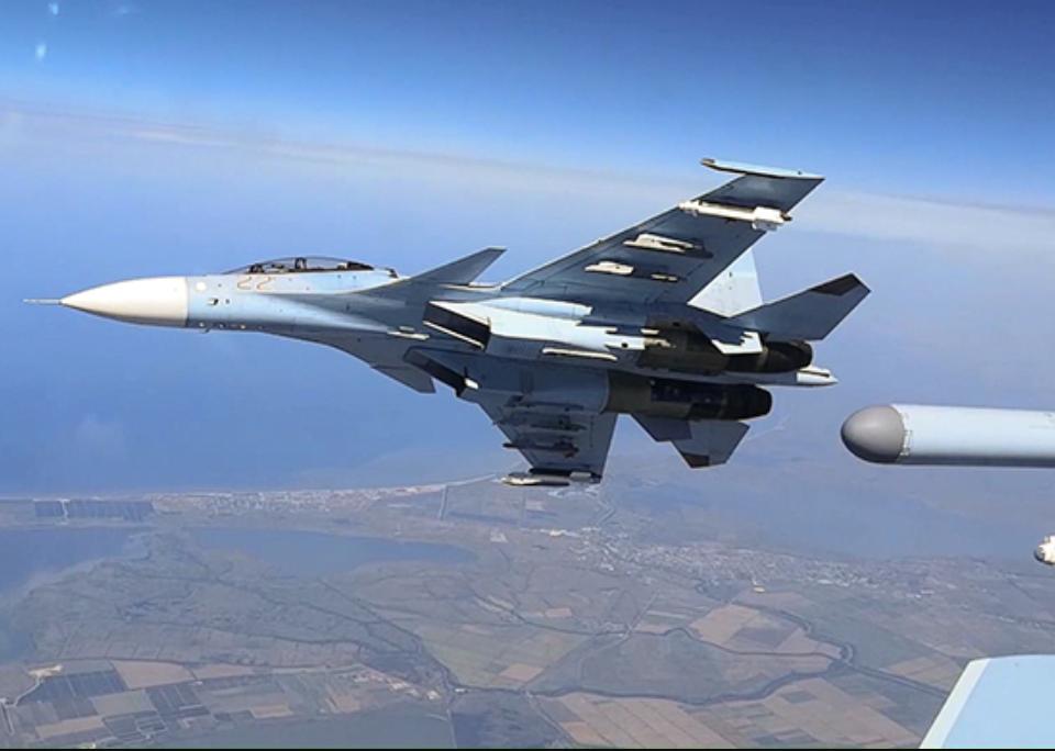 Российские Су-30 запускали ракеты над Крымом / function.mil.ru