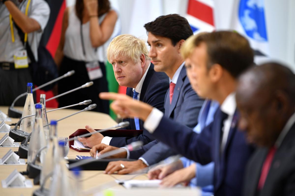 Лідери країн G7 під час саміту / REUTERS
