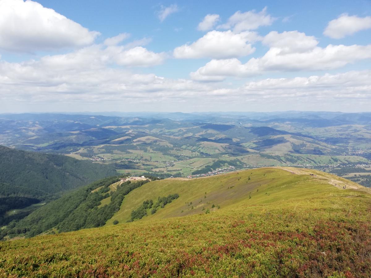 Вид на перевалочный пункт с вершины Гембы/ Фото Марина Григоренко