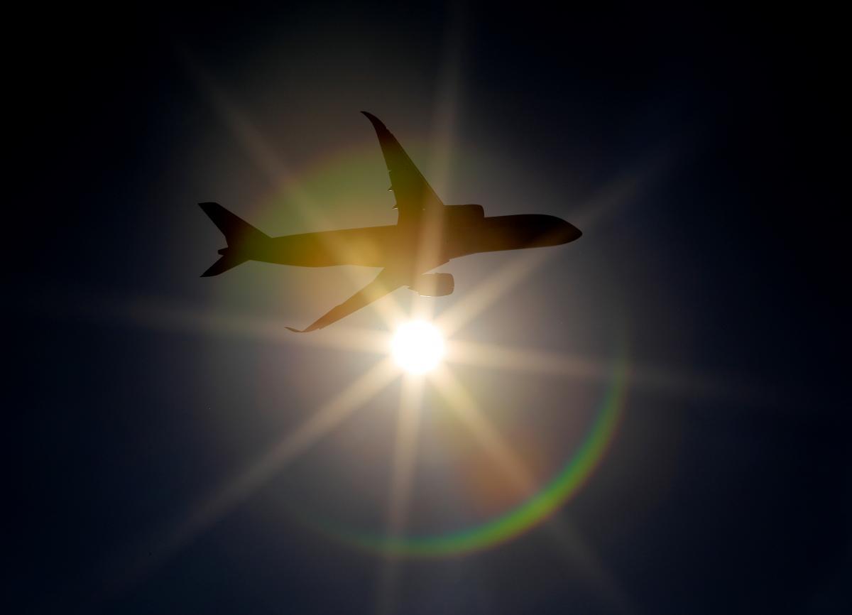 США рекомендували авіакомпаніям обережно літати над Україною й РФ / фотоREUTERS