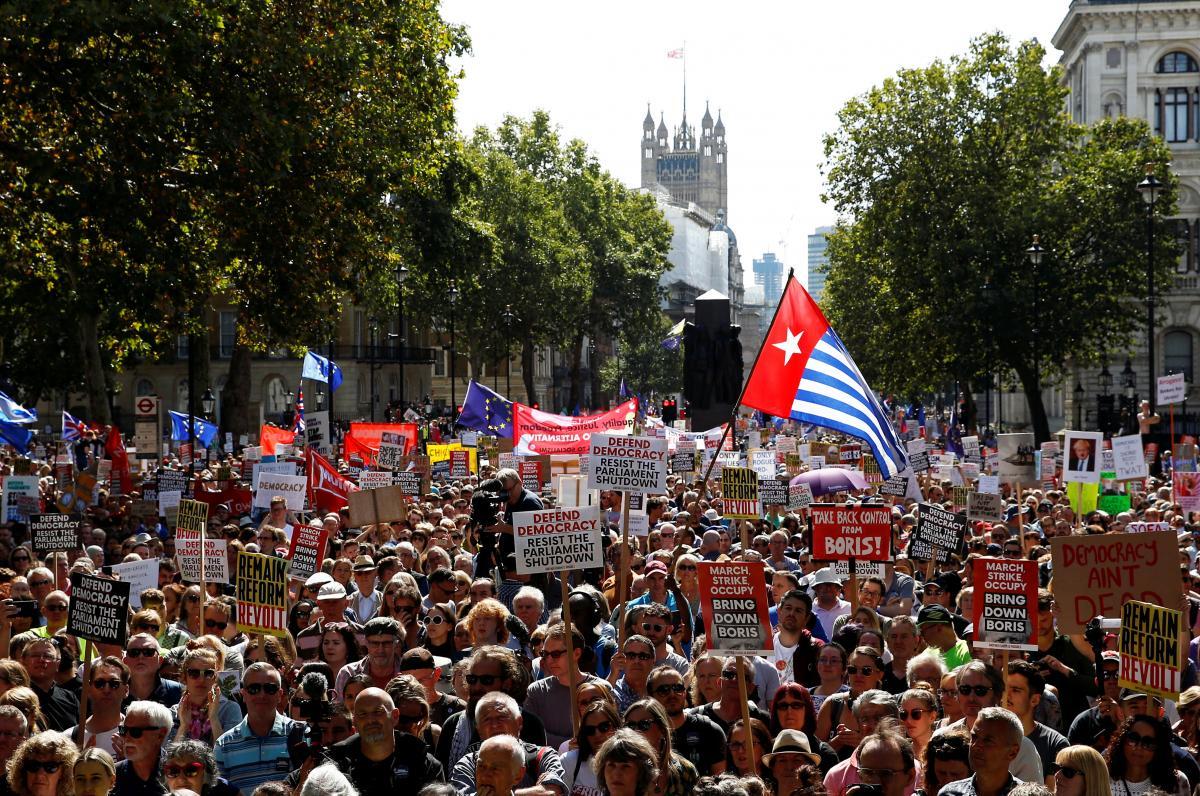 Протесты в Лондоне / REUTERS