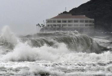 На Японию обрушился мощный тайфун