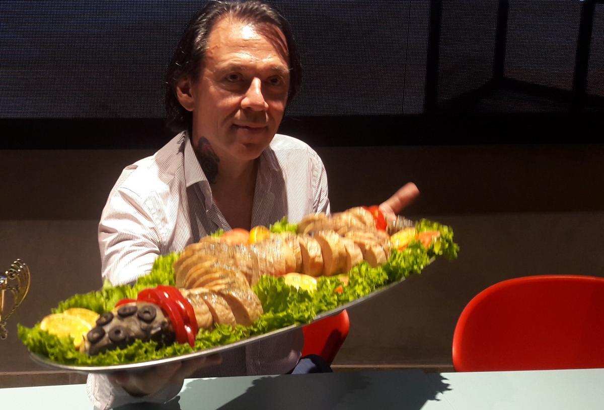 Жорницкий - неоднократный участник мирового шоу GluttonBowl на DiscoveryChannel, высокого уровня соревнований в Атлантик-Сити, Майами, Нью-Йорке / фото УНИАН