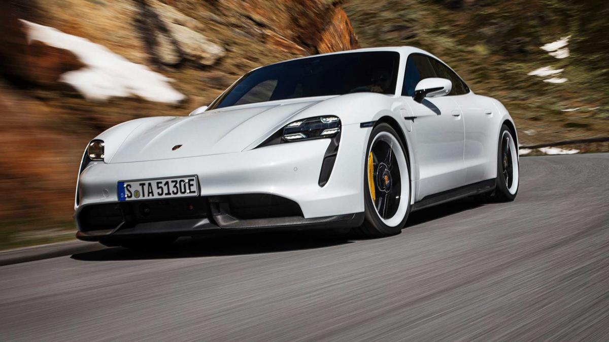 Сумарна потужність двигунів версії Turbo становить680 к. с. / фото Porsche