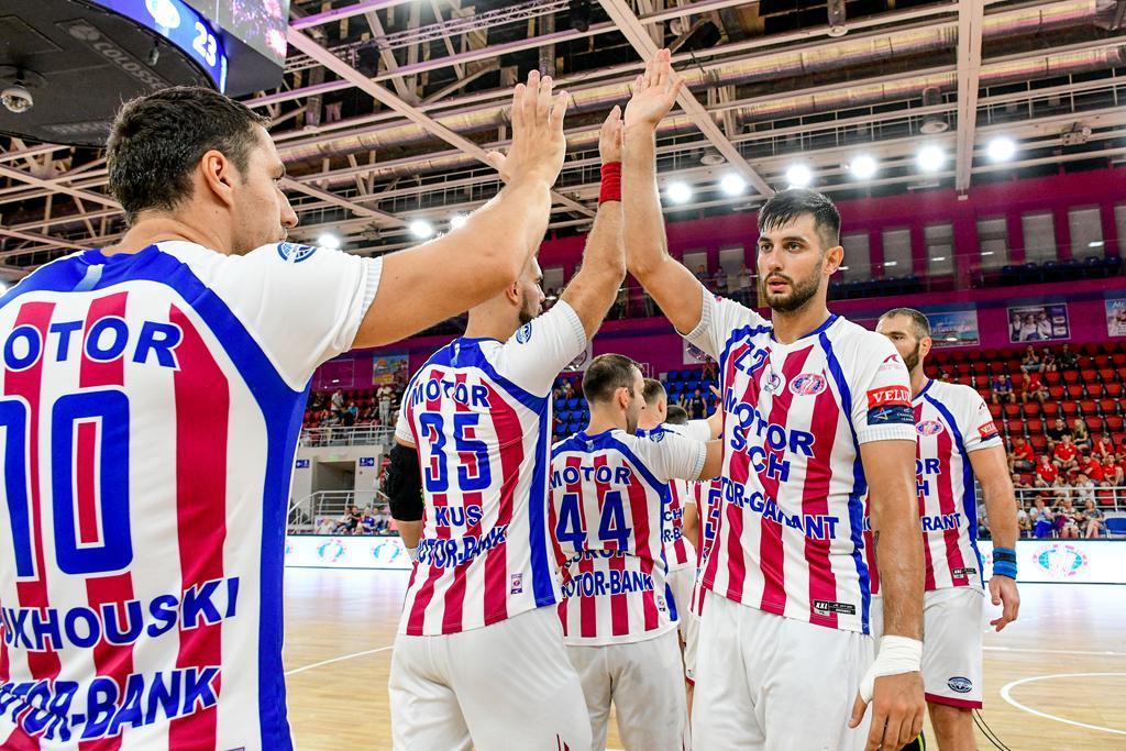 Мотор одержал победу в концовке встречи / фото: handball.motorsich.com