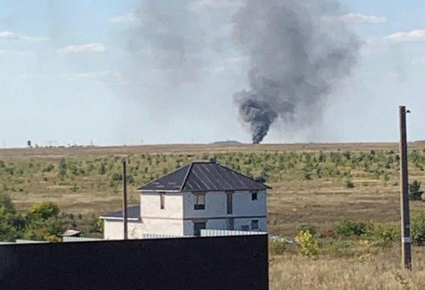 Как рассказал источник, при посадке вертолетударился о землю и загорелся / govoritmoskva
