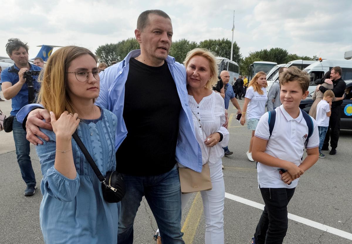 Роман Сущенко после возвращения в Киев / REUTERS