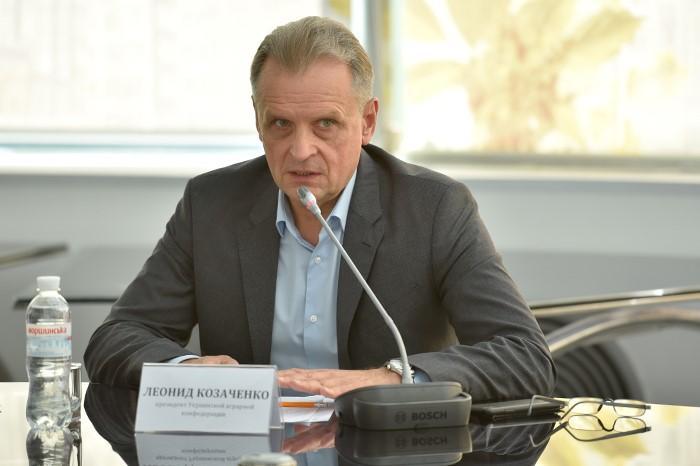 Президент Украинской аграрной конфедерации Леонид Козаченко отметил, что компромиссмежду украинскими химиками и аграриями может быть достигнут при условии, что вопрос будет решаться на общегосударственном уровне