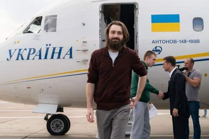 Экс-военнопленный Сергей Попов поделился, какие эмоции его переполняли по дороге домой / УНИАН