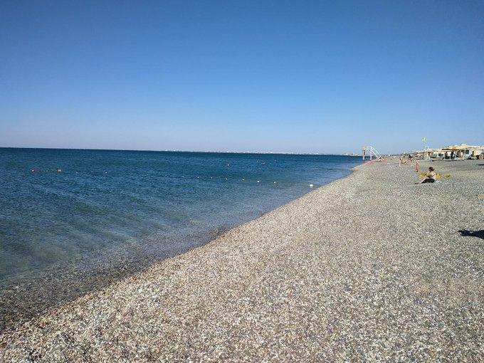 Пляж в Евпатории / twitter.com/KrimRt