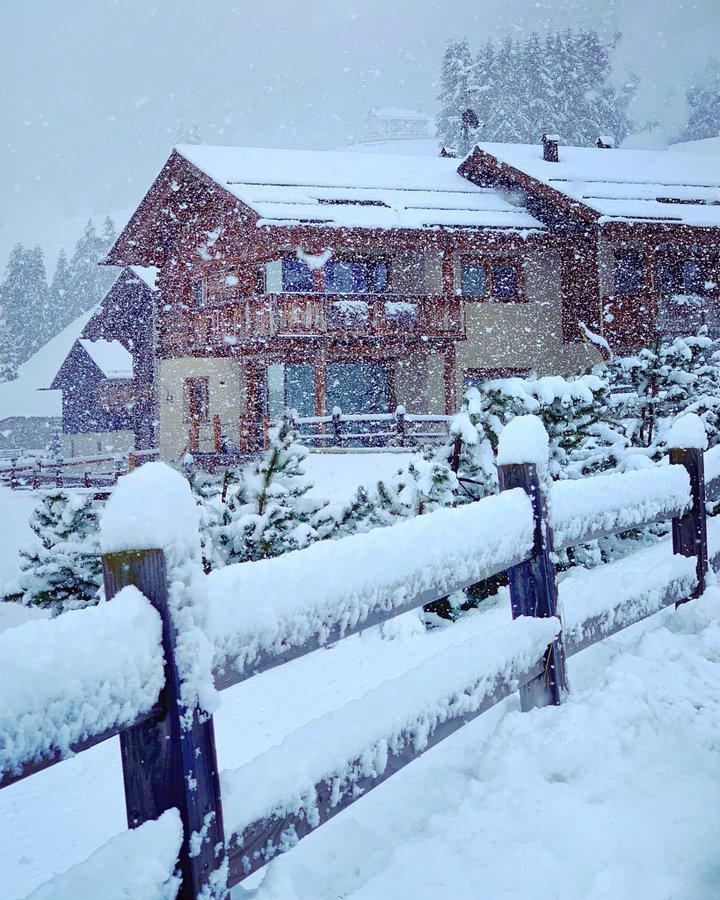Итальянские Альпы засыпало снегом / twitter.com/Livigno