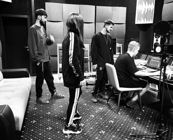 Лорак записує нову пісню / instagram.com/90210.group