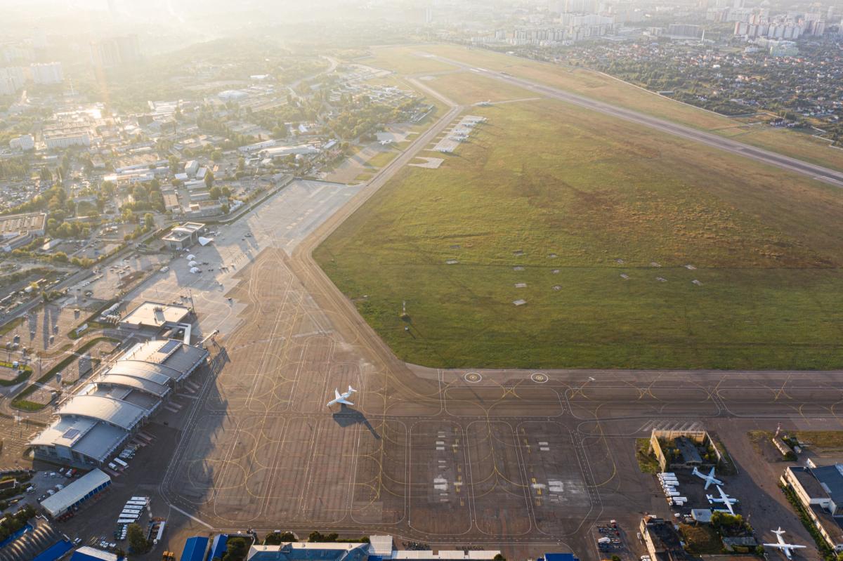 Аэропорт «Киев» возобновит работу 12 сентября / фото facebook/airportkiev