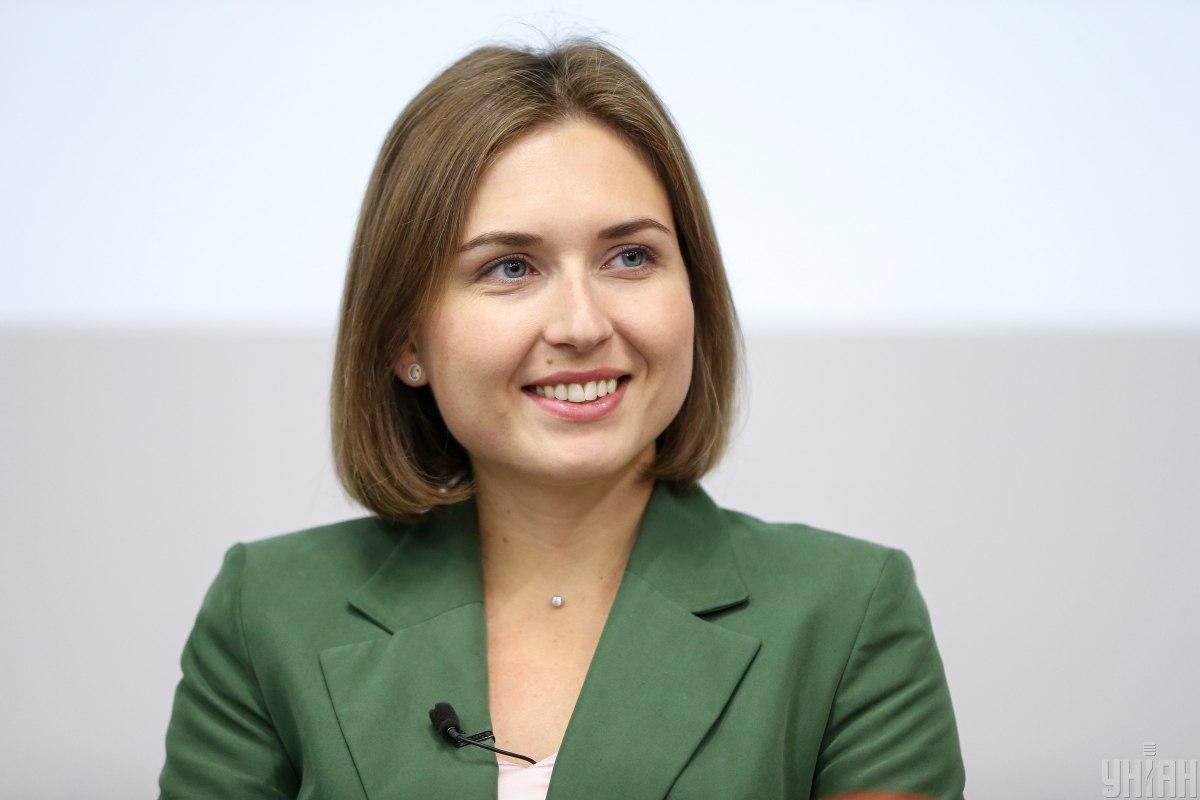 Підвищення зарплати освітянам на 20-70% ще треба зробити реальним, наголосила Новосад / фото УНІАН