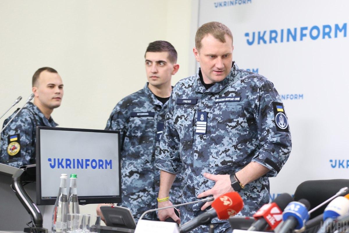 Забезпечити моряків новими квартирами пообіцяв начальник Генштабу ЗСУ Руслан Хомчак / УНІАН